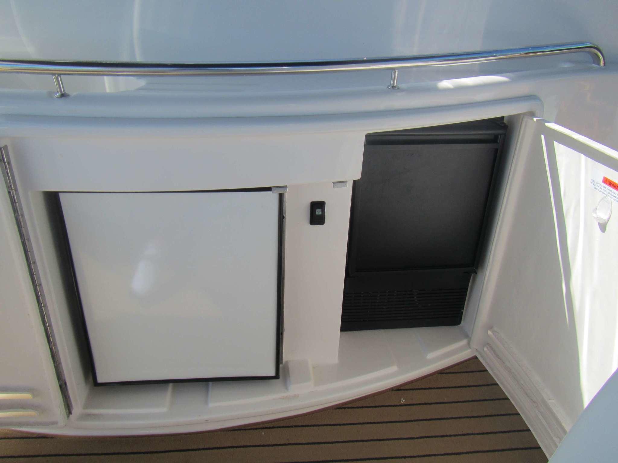 Riviera-M430-RM-012 UsedBoats