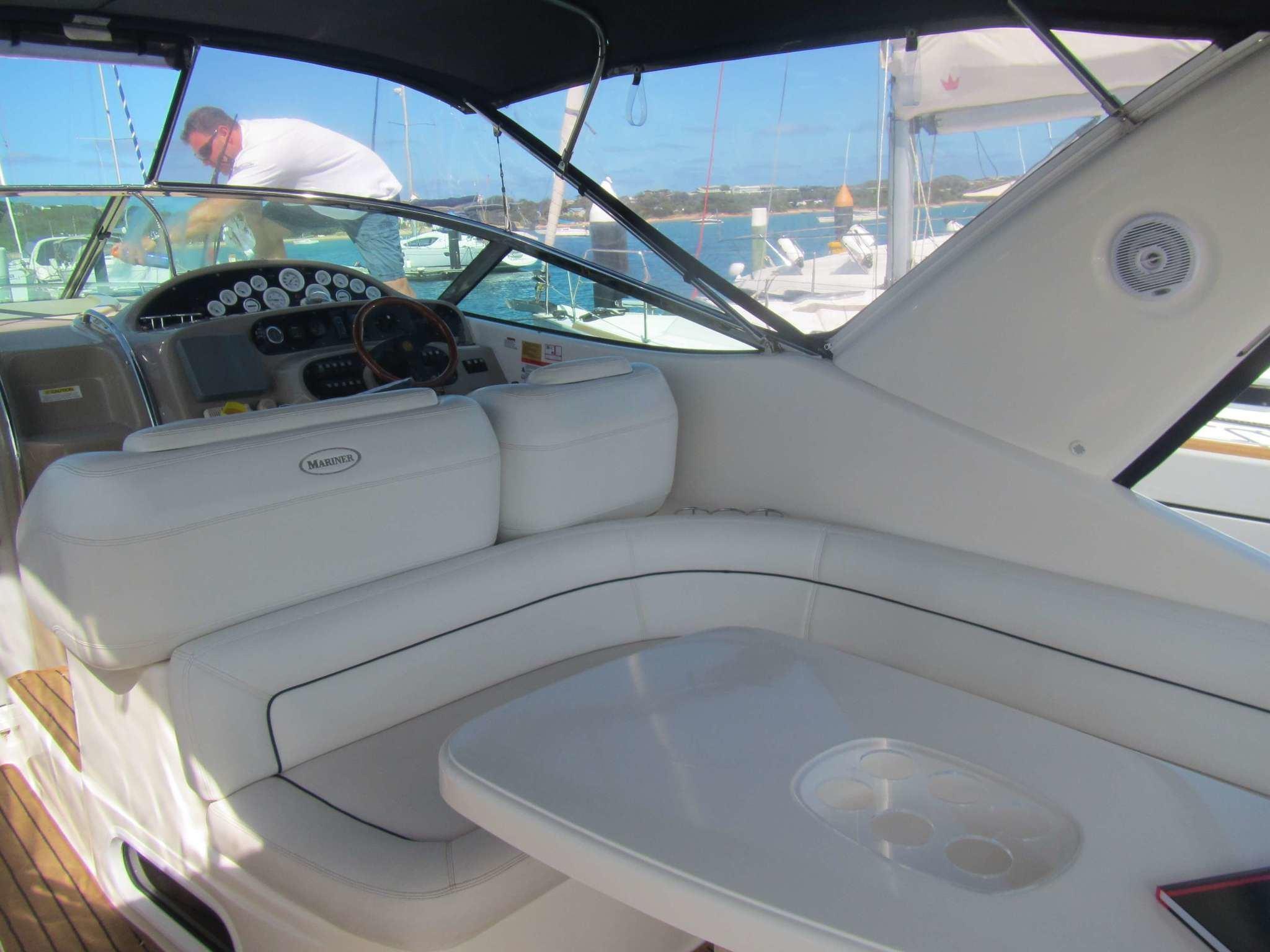 Riviera-M430-RM-015 UsedBoats